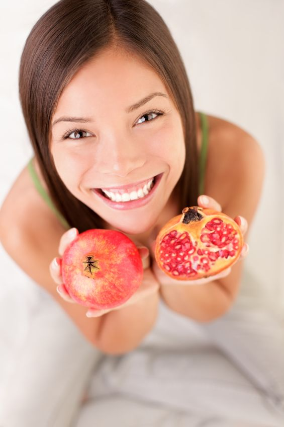 Pomegranate and Chamomile Help Heal Bleeding Gums