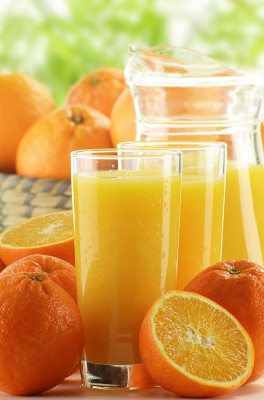 Orange Juice and Dried Fruit Help Keep the Weight Down